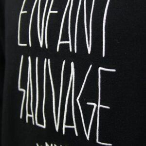 sweat-roundneck-authentique-noir-detail-logo-marque boutique streetwear
