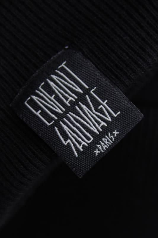 detail-logo-marque-sweat-roundneck-authentique-noir boutique streetwear