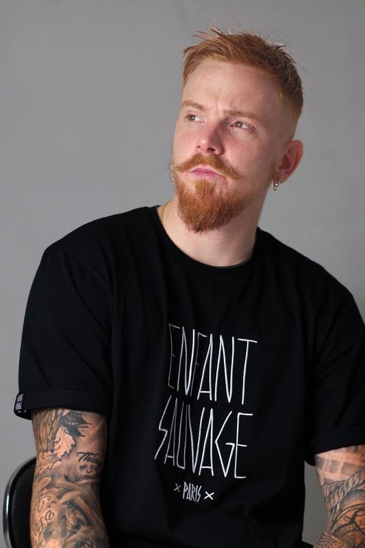 Vêtement de sport T-Shirt-gamme Classic noir avec logo brodé enfant sauvage paris manche courte avec ourlets tenue décontractée coton 160g adulte
