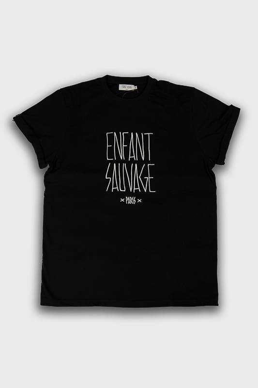 t-shirt-noir-manches-courtess-enfantsauvage-paris-boutique-vetements-sport-streetwear-aux-influences-de-la-rue-logo-blanc