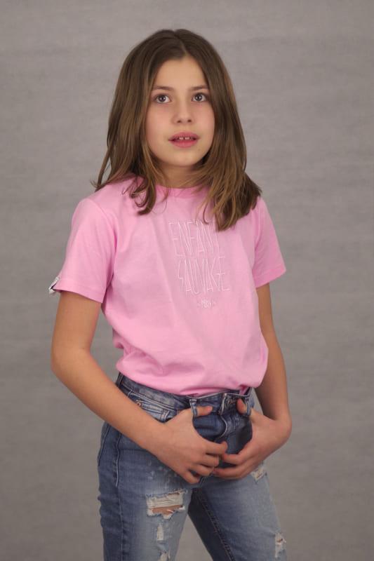 t-shirt-rose-clara-enfant-sauvage-boutique-streetwear-aux-influences-de-la rue-tendance-street